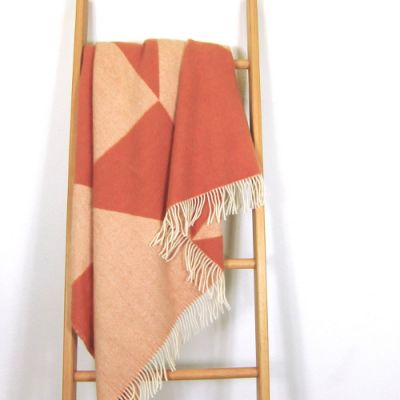 Wolldecke Plaid Tina Ratzer FOCUS ON TWILL orange terracotta skandinavisch