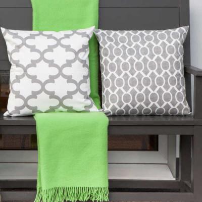 preview wolldecke athen gr n mit kissen fynn und sidney in grau. Black Bedroom Furniture Sets. Home Design Ideas