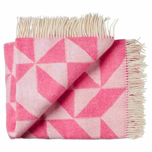 decke tina ratzer twist a twill pink plaid kuscheldecke. Black Bedroom Furniture Sets. Home Design Ideas