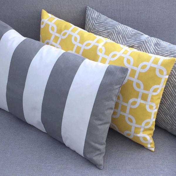 kissenh lle helen gelb wei blumen 30 x 30 cm. Black Bedroom Furniture Sets. Home Design Ideas