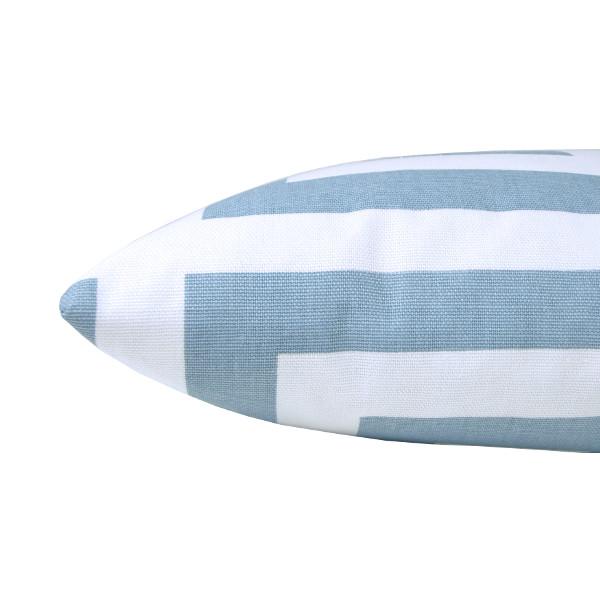 kissenh lle zeus hellblau wei skandinavisch grafisch schl sselmuster 40 x 60 cm. Black Bedroom Furniture Sets. Home Design Ideas