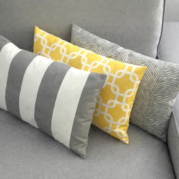 1 kissenh lle vertical grau wei streifen skandinavisch 50. Black Bedroom Furniture Sets. Home Design Ideas