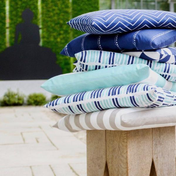 kissen dimensions t rkis pastell skandinavisch dreiecke grafisch skandinavisch 50 x 50 cm. Black Bedroom Furniture Sets. Home Design Ideas